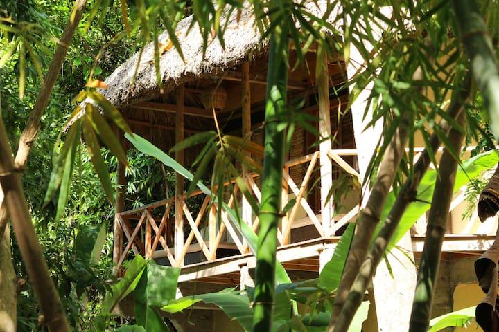 Surf Haiti Guesthouse Bungalow 4