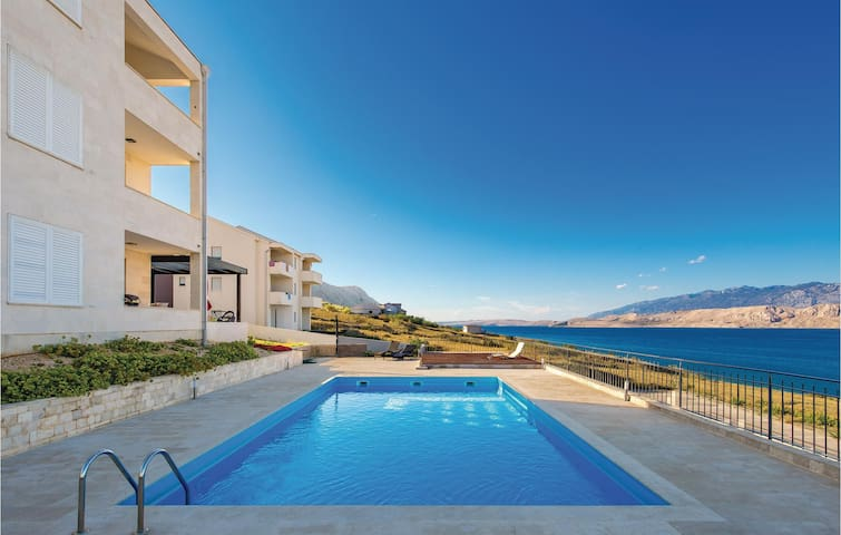 Holiday apartment with 2 bedrooms on 57m² in Pag