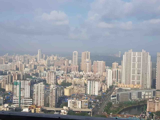 Stay in Heights n View of Mumbai at Cntrl Location