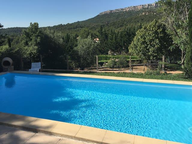Villa avec piscne près d'Aix en Provence