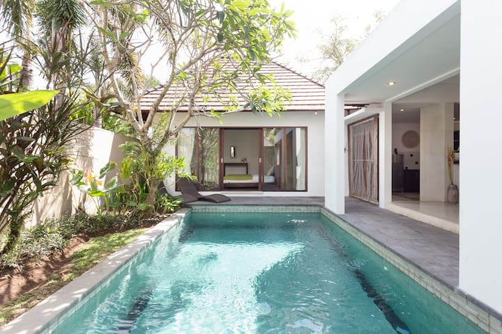 Redecorated Private 2 BDR with pool @ Berawa