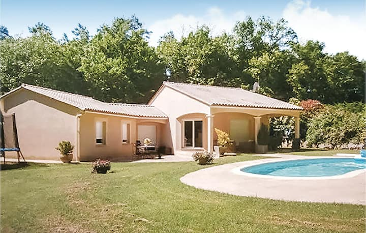 Nice home in Savignac Les Eglises with WiFi and 3 Bedrooms