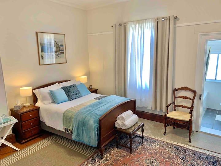 New England Rest Apartments, unit B