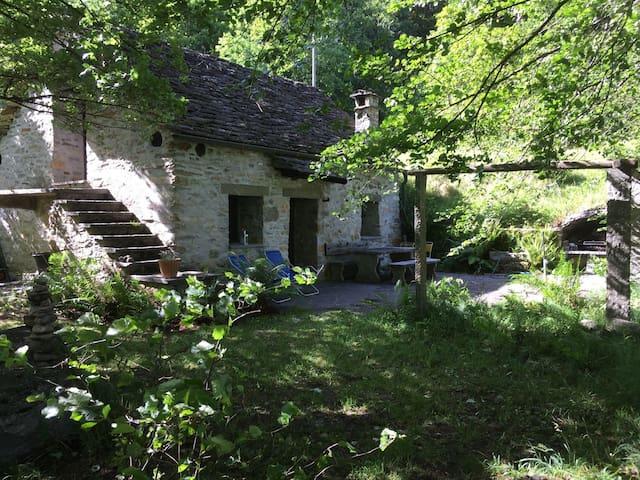 Beautiful Rustic Home - Verzasca Valley
