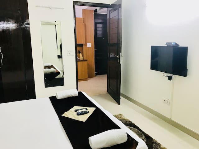 Private 1 BR near Select Citywalk Mall & MAX Saket