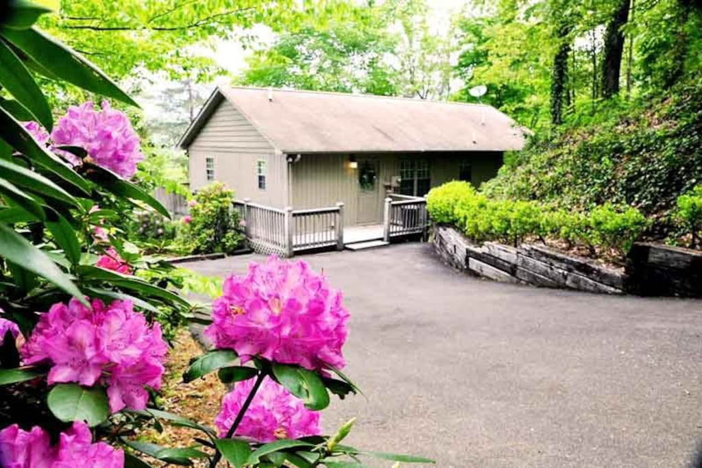 Big Oaks Pointe Is a Motorcycle Friendly Two Bedroom Just Outside Downtown Bryson City