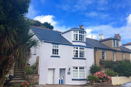 Bluebell Cottage, Dartmouth - Talo