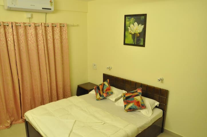 Budget Room in Daman 3 -TV|AC|WIFI