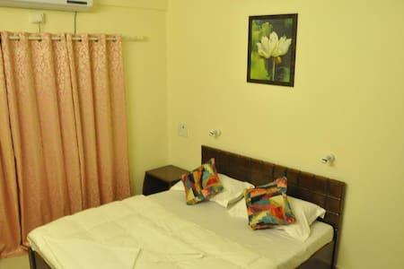 Budget Room in Daman 4 - TV|AC|WIFI