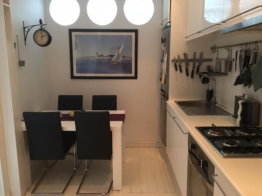 Fully equipped kitchen with place for 4 people
