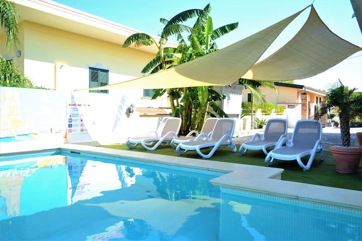 Apartment mit Meerblick und WiFi TROPEA