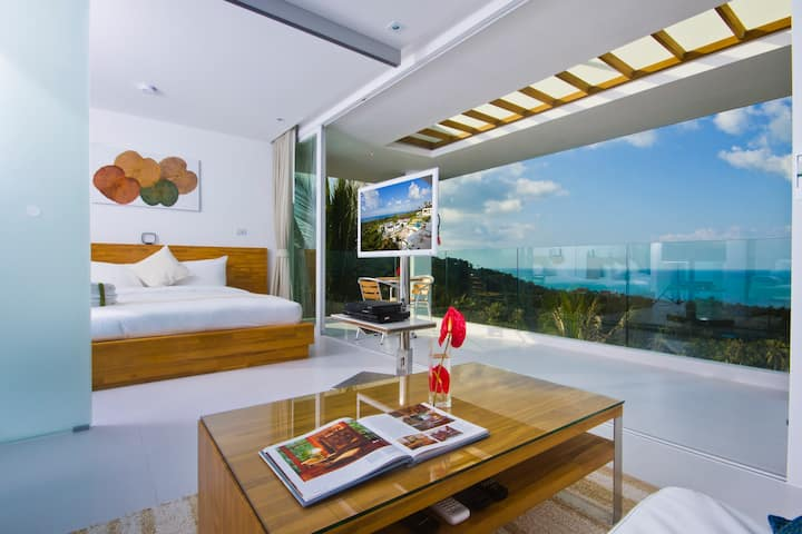 Code 1 Bed Luxury Apartment with Sea Views