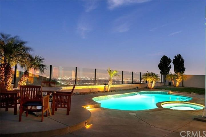 STYLISH HOUSE WITH AMAZING VIEW - Rowland Heights - Huis