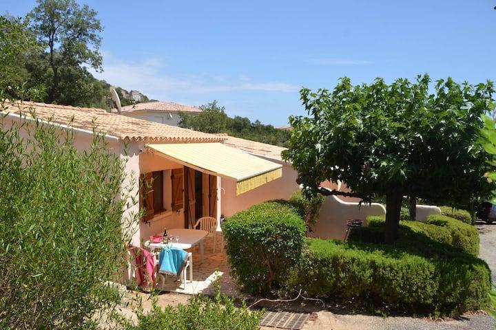 Mini villa avec piscine à 400 m de la mer x9