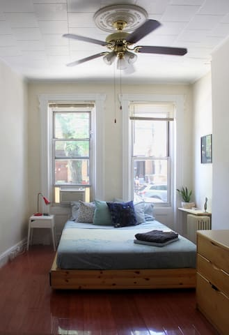 Spacious Apartment + Bushwick Backyard