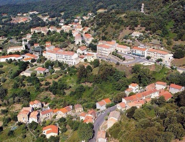 T2 dans un beau Village Corse à 30min des plages - Santa-Maria-Siché - Rumah