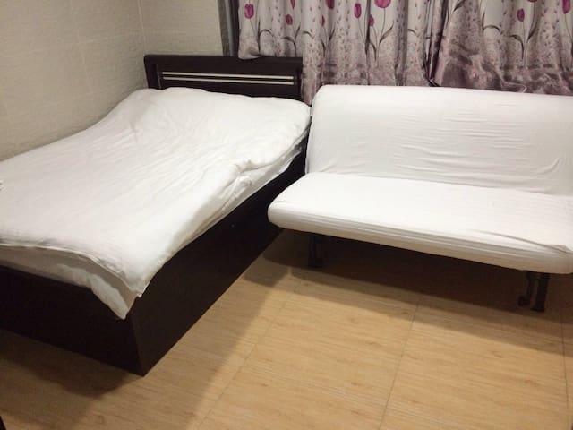 cozy studio for 3-4 in Mong Kok B