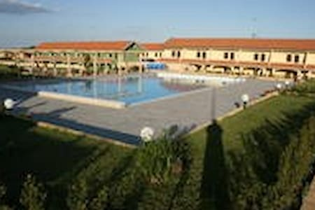 residence con piscina 200m dal mare (4) - borgia