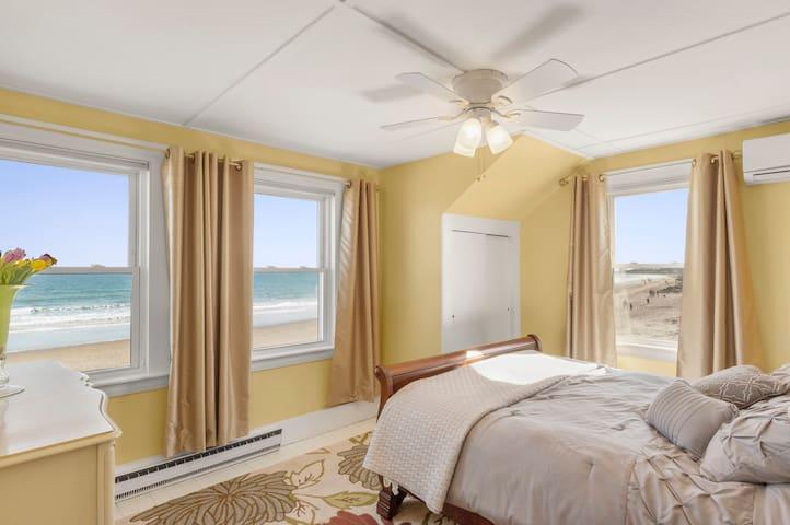 Bedroom #1 with queen bed with ocean view