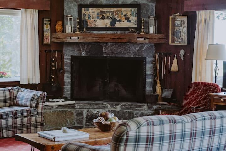 10% off-New Listing! Magic Mtn Family Retreat