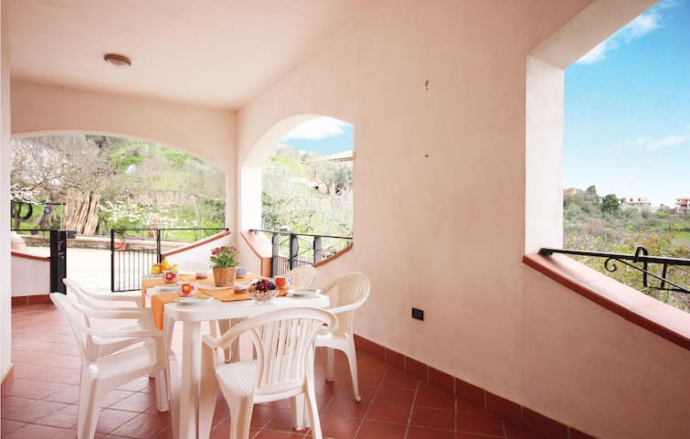 Holiday cottage with 3 bedrooms on 180 m² in Perdifumo (SA)