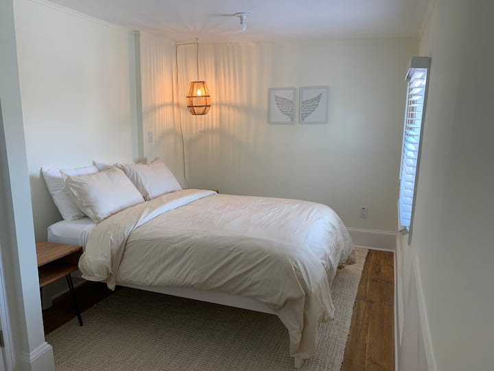 The Melrose- 3B, Private Bed & Bath