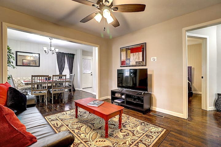 ATL/Doraville Comfortable Cozy next to I-85  ld