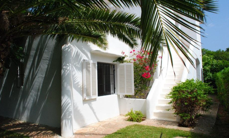 Beach house VILLA ALEGRIA Private patio & garden