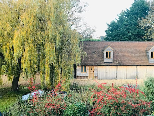 Willows, a hidden country retreat