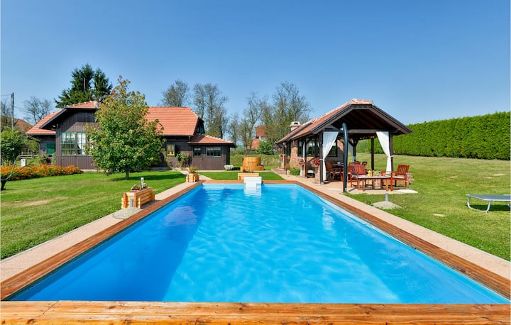 Amazing home in Topusko with WiFi, 3 Bedrooms and Sauna