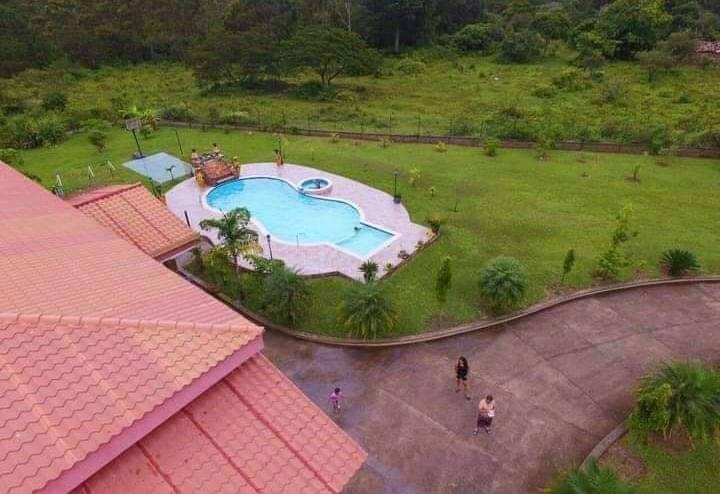 Renta de piscina  de Villa La Cumbre | 10 am - 5pm