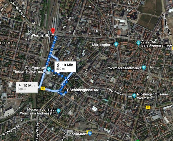 Haus mit Stellplatz direkt am Dom Worms/10min Hbf