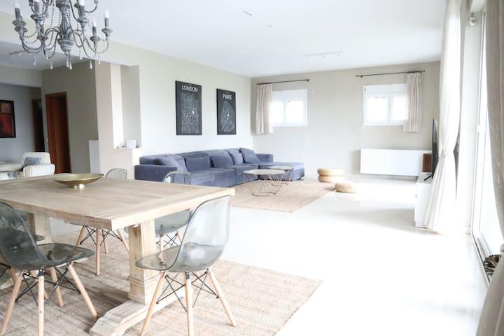 Relaxing, modern quiet beach house **Covid Safe**