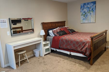 Private 1 bdrm apartment ready for your stay.