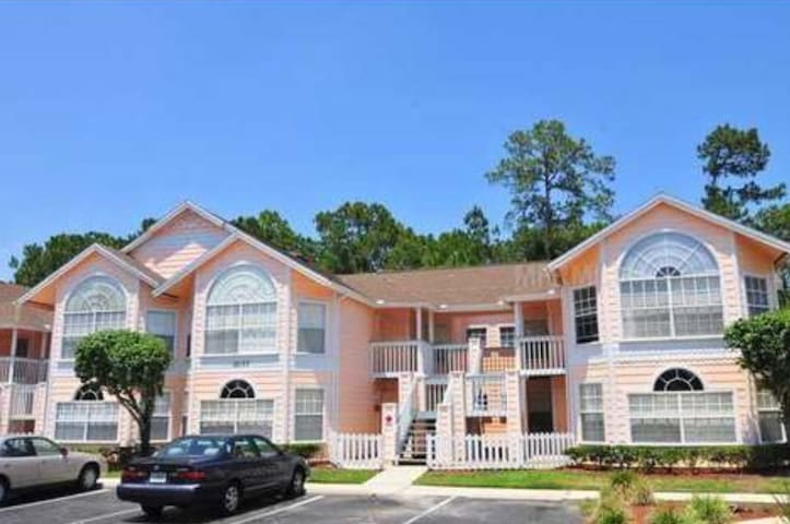 3bd with wifi & netflix close to everything
