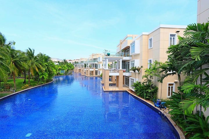 Beachside 2 Bed Apartment @Blue Lagoon S5 - 1568/4
