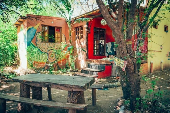 Habitacion Privada Matrimonial en Hostel Giramundo