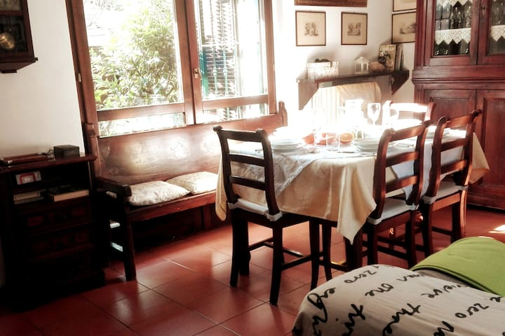 Relax in large & cozy home close to Milano , Monza