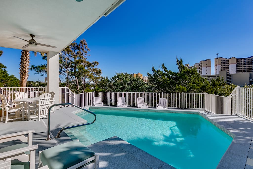 Partially covered pool/deck area