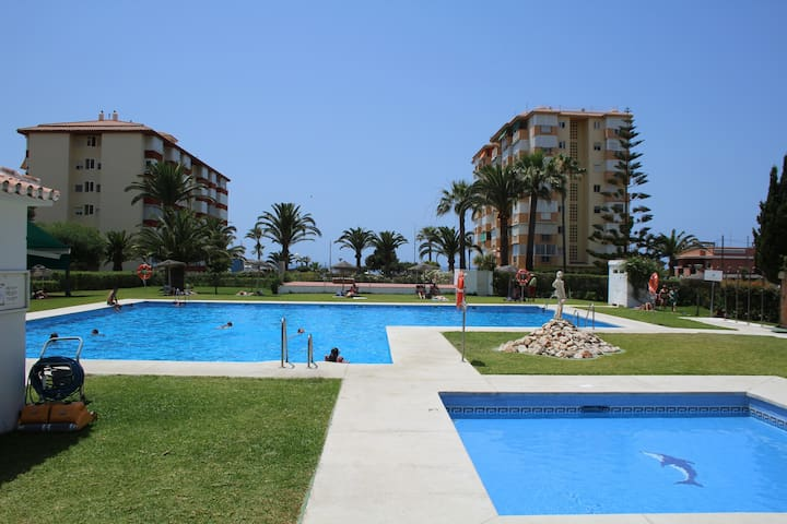 Perfect 1 bedroom apartment, 50 m from beach, pool