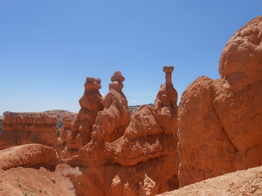 1 hours drive from Bryce Canyon