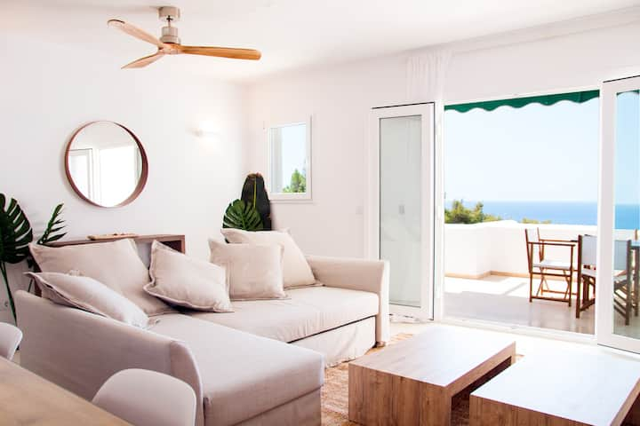 Sea-view design apartment in Son Bou, Menorca