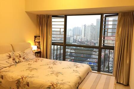 高端公寓公寓  高大上的落地玻璃窗 视野超赞 - Shenzhen Shi