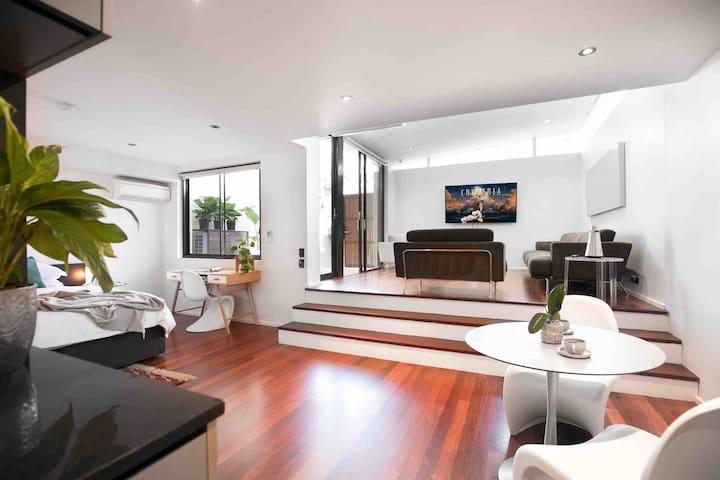 Luxurious and Modern Italian Design Apt & Patio