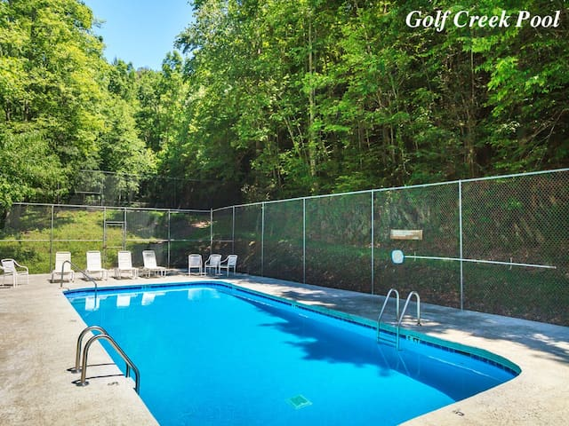 Eagle Creek, 2 Bedrooms, Hot Tub, Porch, Sleeps 6