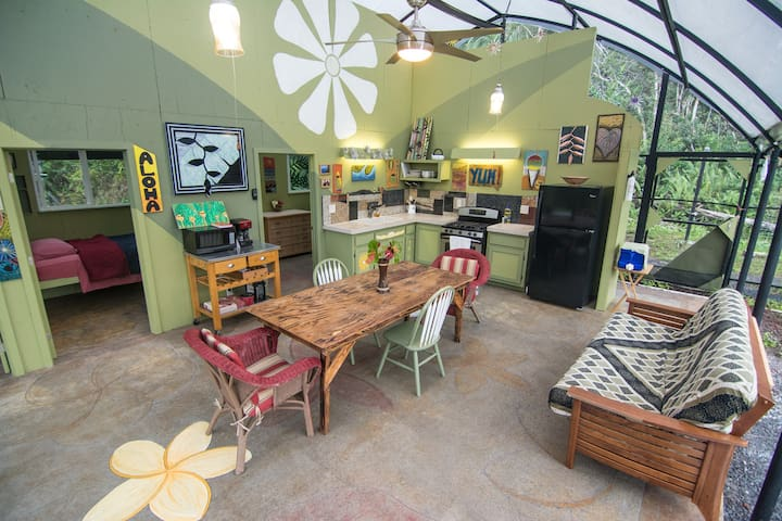 Only one on Airbnb worldwide - Keaau - Guesthouse