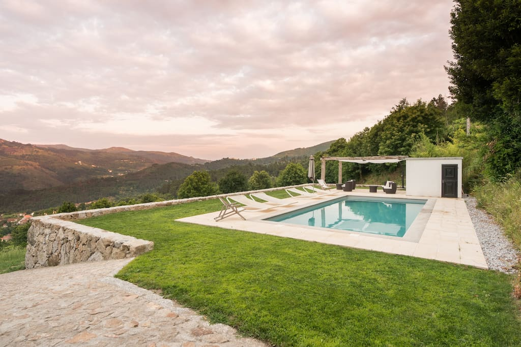 shared swimming pool (10X4,5m) overlooking the valley of river Vade