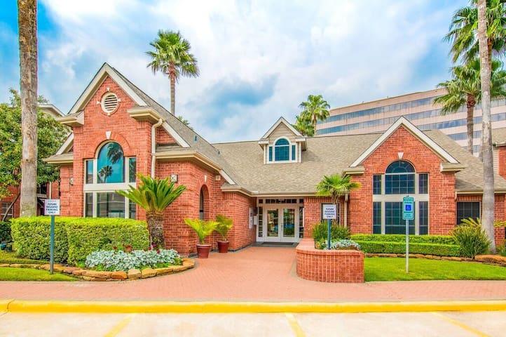 Gorgeous Galleria Apartment 529 - Houston - Apartmen