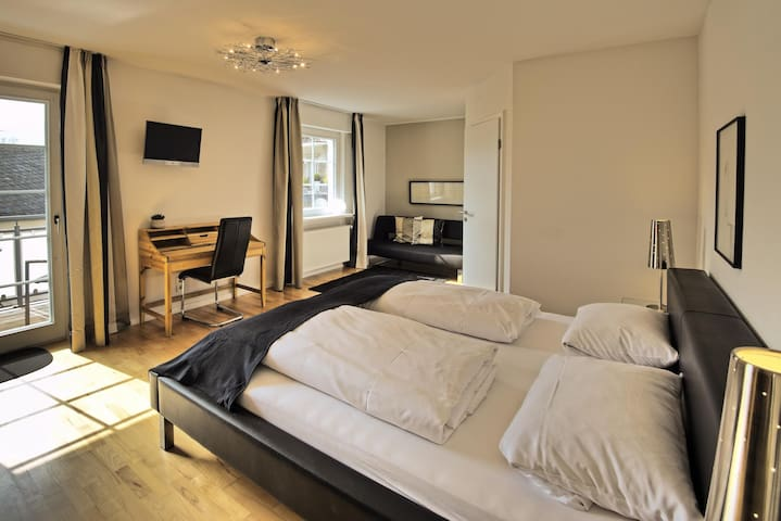 Double room-Deluxe-Ensuite-Balcony-Doppelzimmer mit Balkon