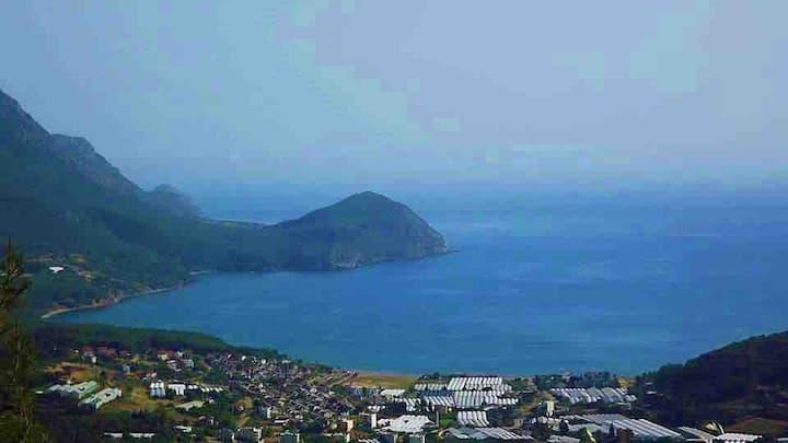 Deniz Manzaralı Doğayla İç İçe Bir Tatil Karaöz